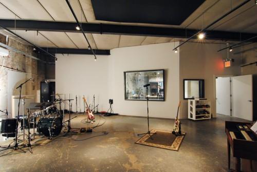 room 17 live room